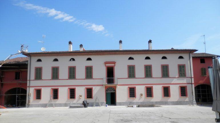 Villa Delfanti nach erfolgreicher Renovierung der Wände und Behandlung der aufsteigenden Feuchtigkeit.